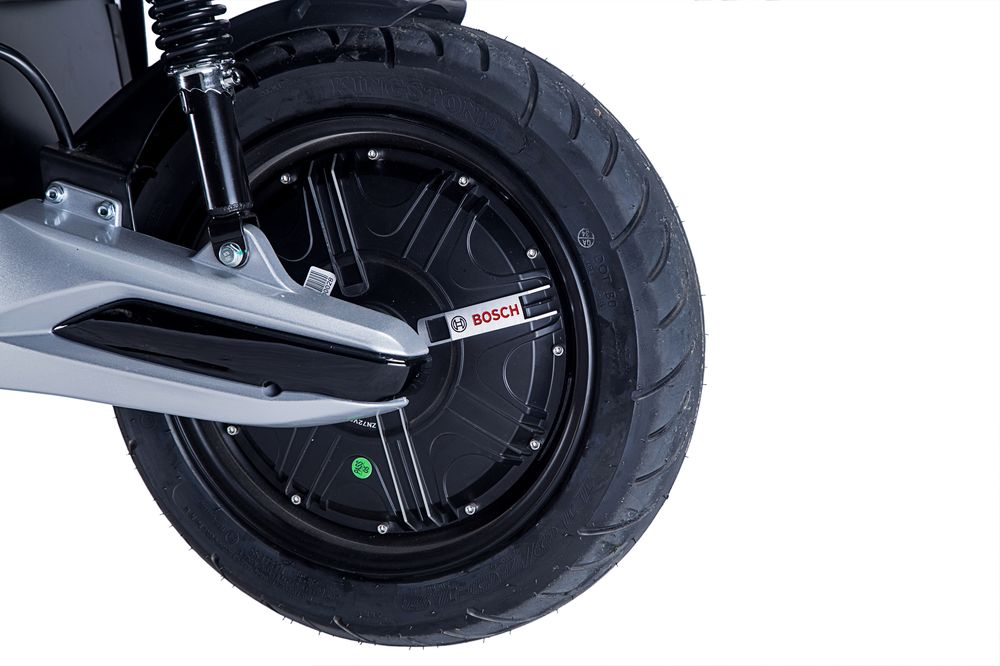 e darkness 3000 w bosch elektro motorroller e scooter. Black Bedroom Furniture Sets. Home Design Ideas
